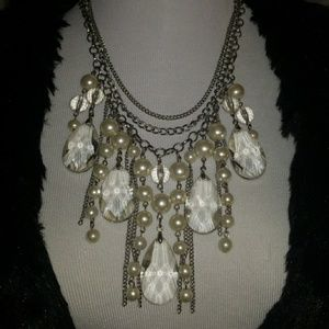 Necklace... this is a statement piece.  Stunning!